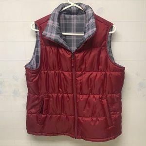 Reversible puffer vest. Size XL.